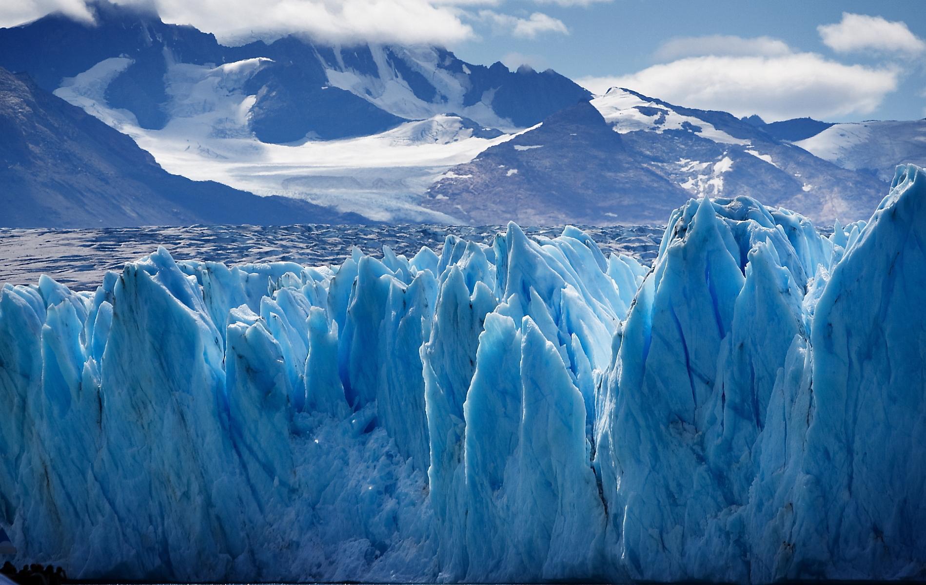 6965136-upsala-glacier-argentina