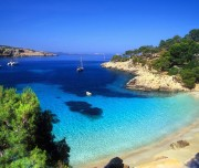 destinazioni-per-giovani-estate-2015-Ibiza-discoteche-e-spiagge-meravigliose-1200x750