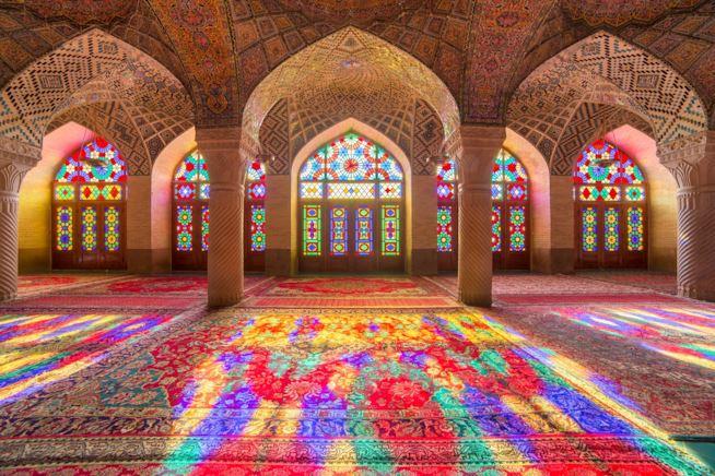 moschea-di-al-nasir-mulk-rosa-moschea-a-shiraz-iran-maxw-654